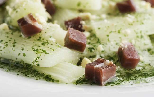 Cinco Jotas almond sauce and fresh vegetables